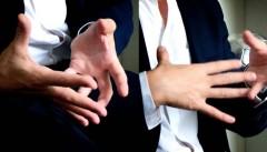 حرکات دست شما در طول جلسه مصاحبه